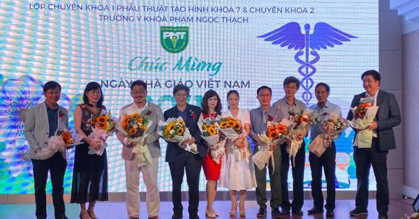 Tiến sĩ - Bác sĩ Nguyễn Thanh Hải trong buổi tri ân ngày nhà giáo Việt Nam